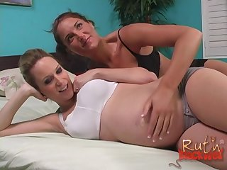 Jayma Reed gets a creampie compare arrive sharing a blarney with Ruth Blackwell