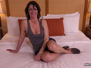 Perfect Natural Tits MILF Eager not far from Fuck