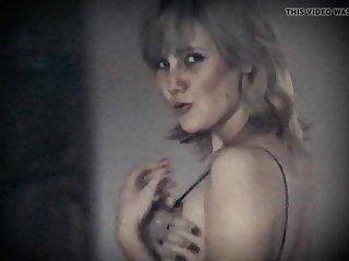 Maroon HEART - vintage saggy tits hairy pussy kermis beauty