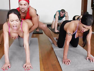 Yoga professor and 4 sex-mad college girls with meaty cupcakes