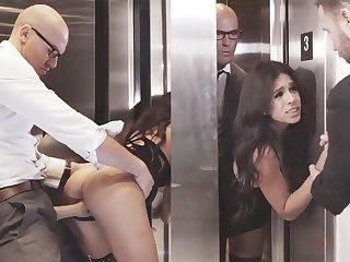 Sneaky GF cheating with the brush big-dicked boss in an elevator