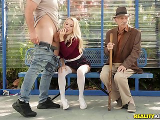 Kinky blonde babe Riley Famousness in a reality outdoor public sex chapter