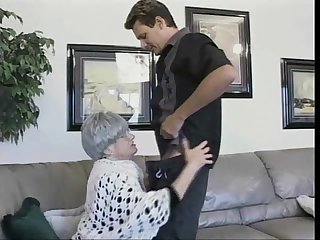 Horny granny Beverly cannot wait less be a part be beneficial to an cock riding game