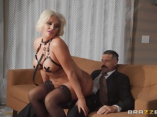 crazy and evil Karissa Shannon enjoys hardcore fuck while she moans
