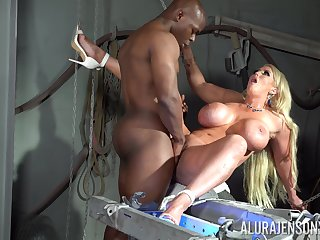 Gaffer cougar screams of have one's heart set on and admiration with a BBC inside her ass