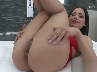 Fantastic bombshell is showing her opened wet pussy in put to rights up
