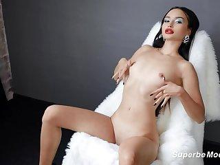 SuperbeModels: Loves Debut With Jess Leon on PornHD